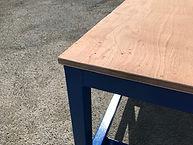 Détail plateau table d'atelier charge lourde
