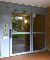 Porte_de_hall_d'entrée.jpg