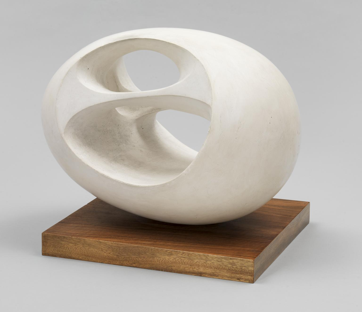 Oval Sculpture (No. 2) 1943