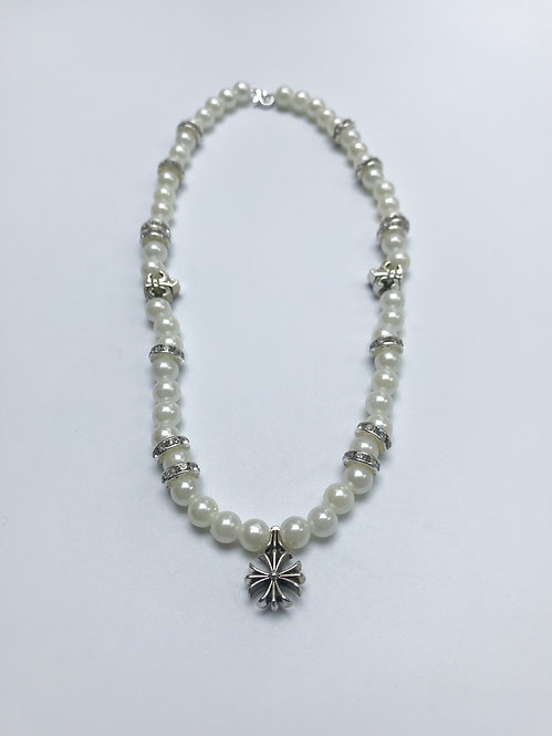 PEARLY ICE NECKLACE