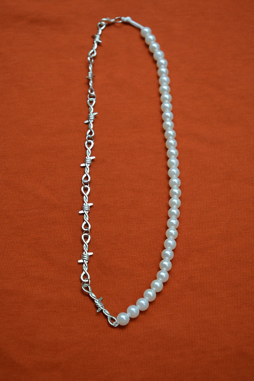 PEARLY HALF BARB NECKLACE (50CM)