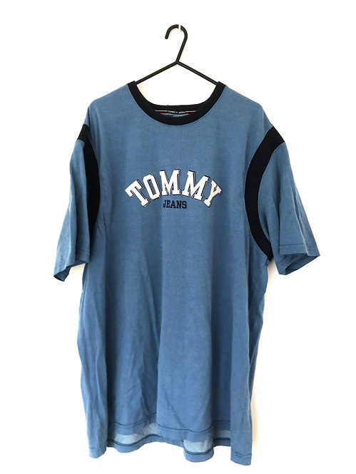 TOMMY JEANS EMBROIDED TEE (XL)