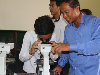 Students excited to test out new microscopes following gift to schools