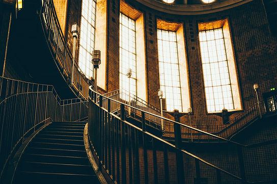 staircase-5001021_1920.jpg