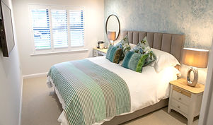 Blue Room, SLEEP SQUIRES