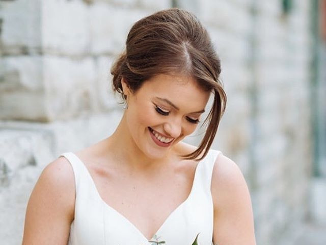 A natural look for this blushing bride �