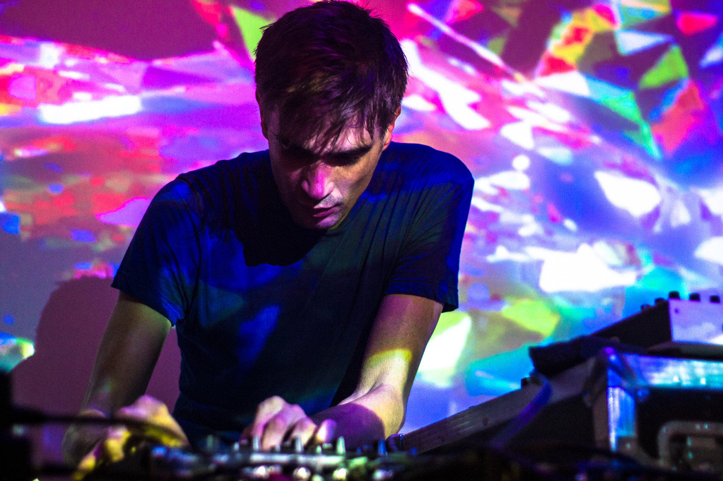 224167-11176479-JON_HOPKINS-GORILLA-RICH