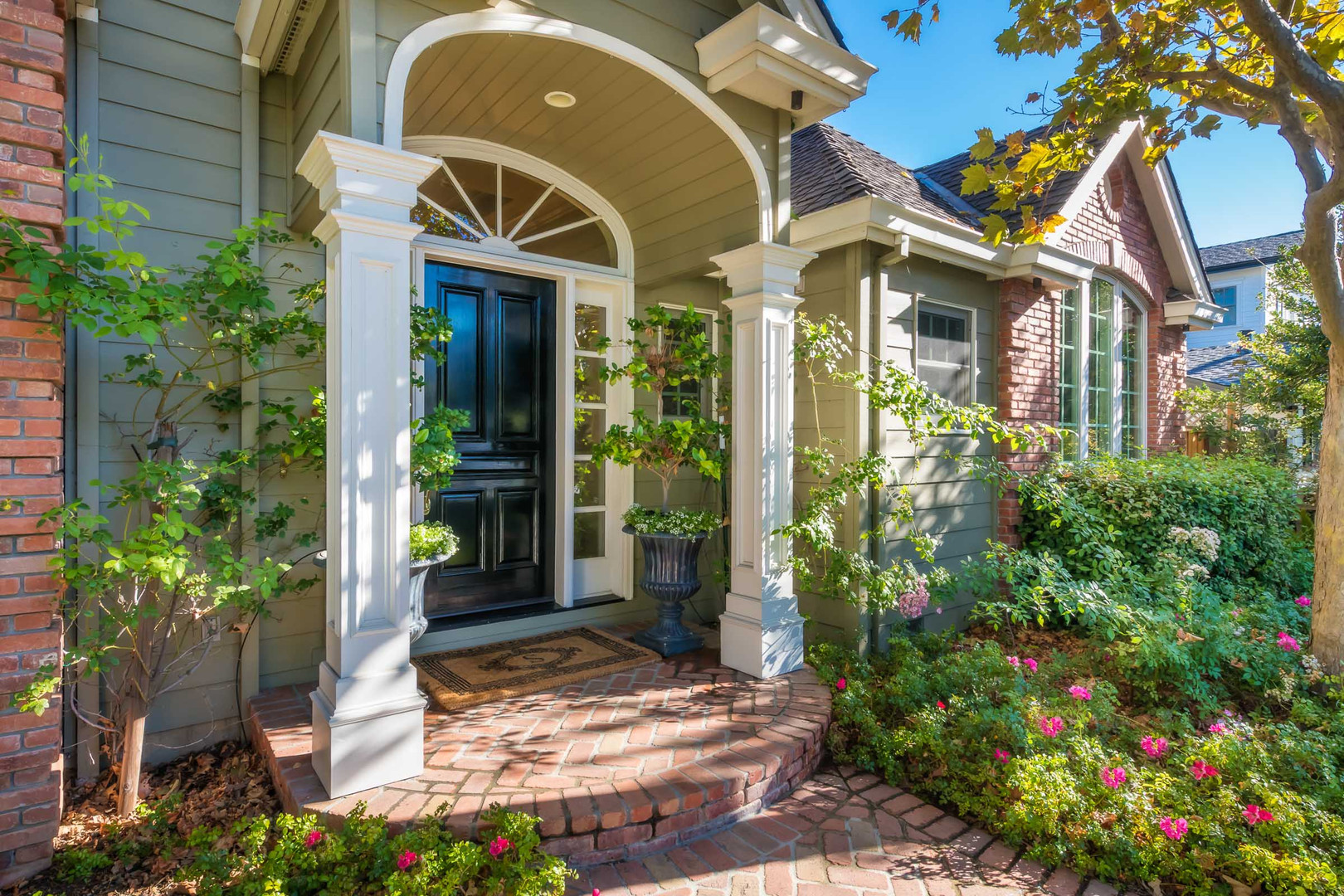 Traditional - Lilac - Front Exterior - 8