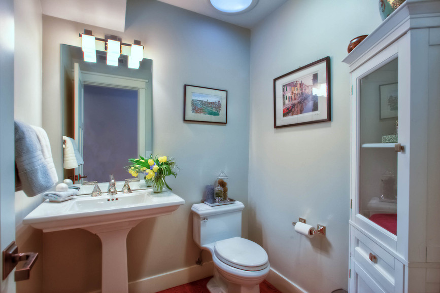 Traditional - South - Powder Bath - 1 -
