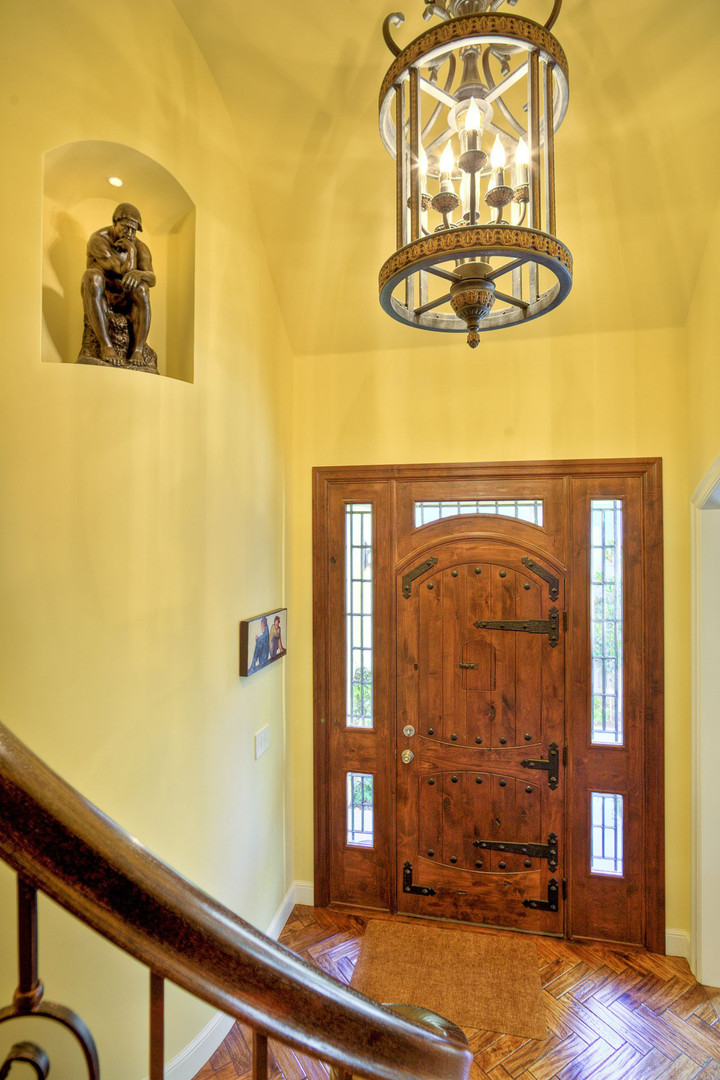 Traditional - Stratford - Foyer - 1 - Af