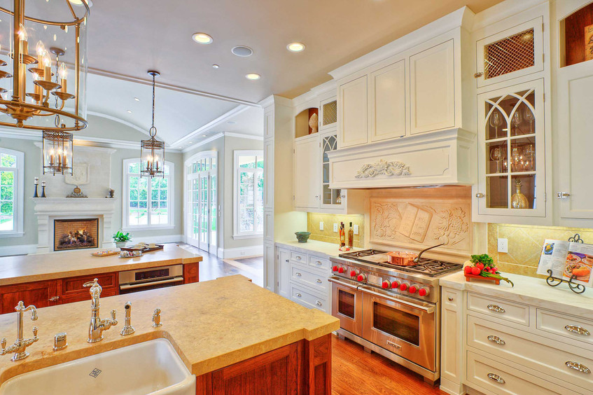 Traditional - Betty - Kitchen - 2 - Afte