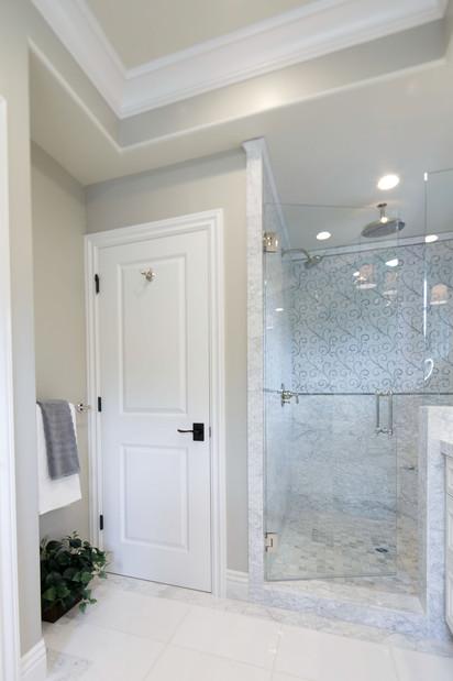 Transitional - Pine - Master Bath - 4 -