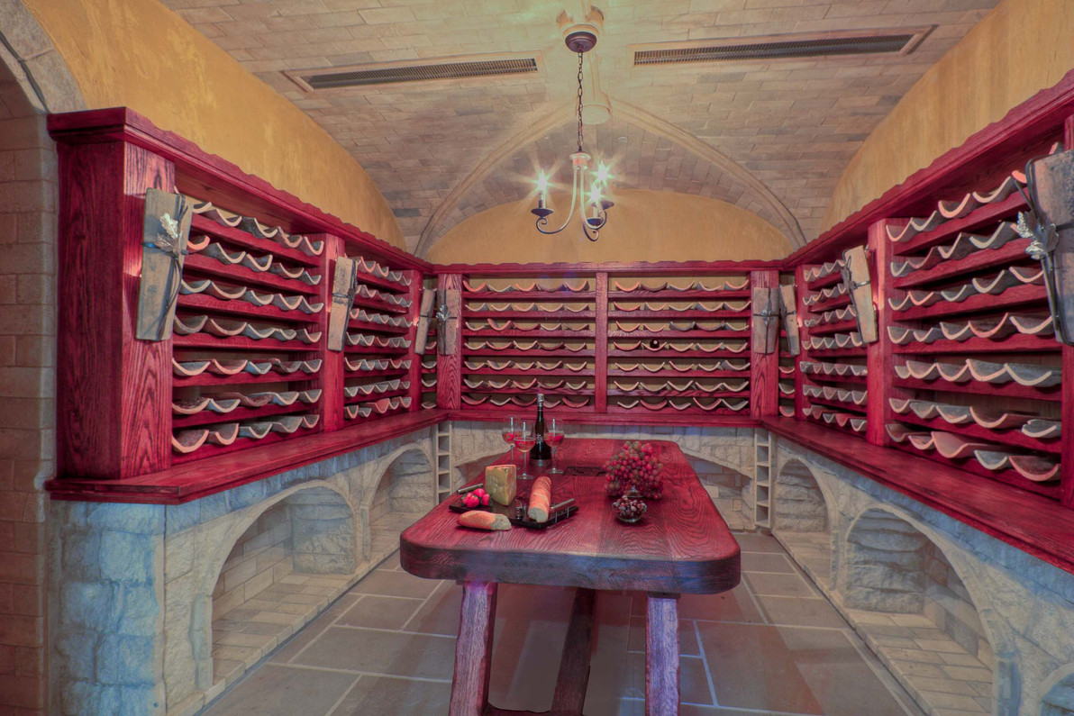 Traditional - Betty - Wine Room - 1 - Af