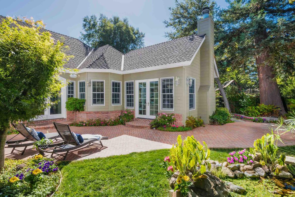 Traditional - Lilac - Backyard - 2 - Aft