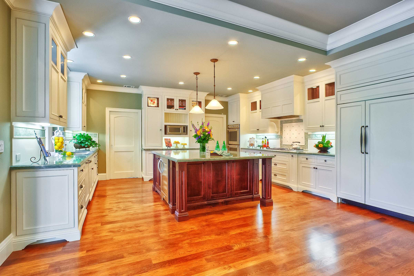 Transitional - East Creek - Kitchen - 2