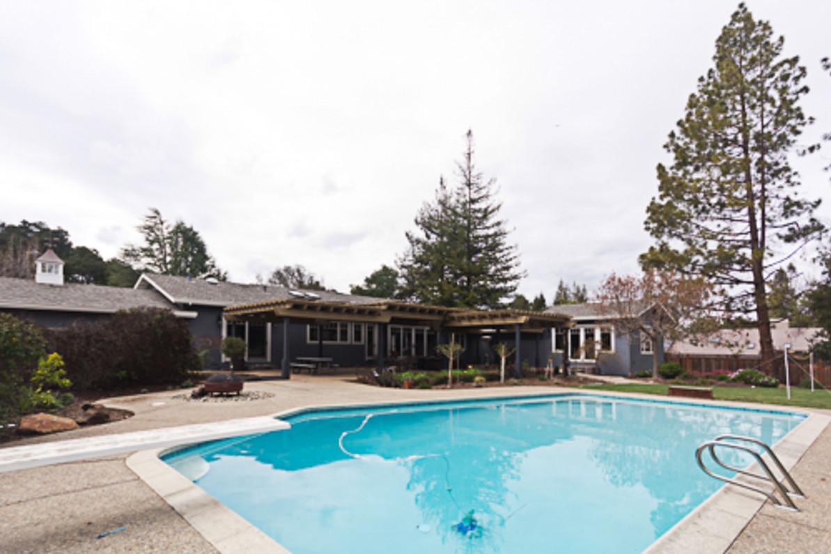 Transitional - Wild Oaks - Backyard - 1