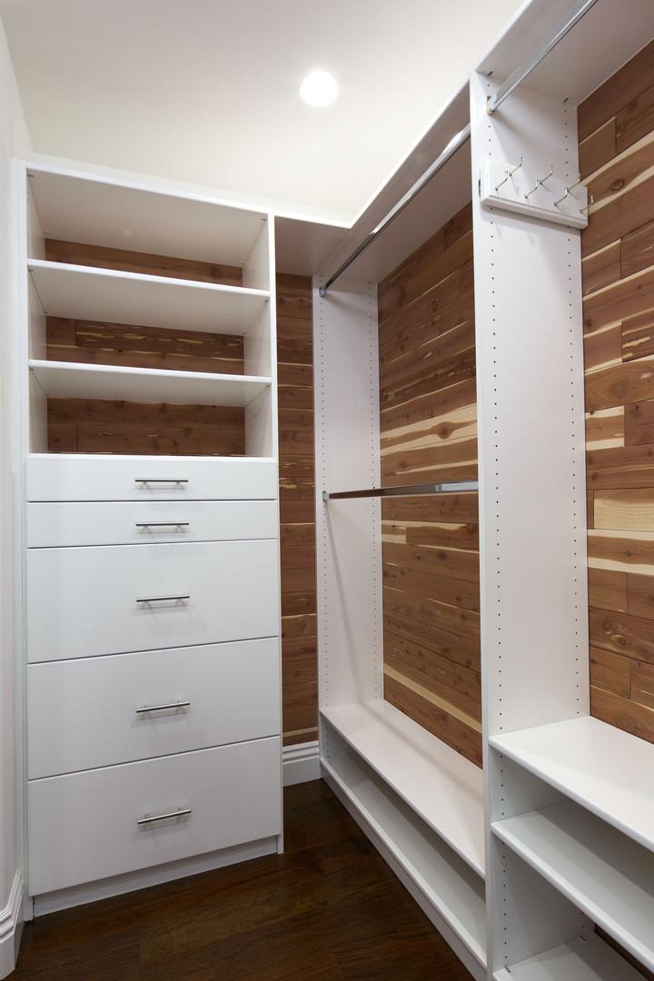 Transitional - Pine - Closet - 1 - After