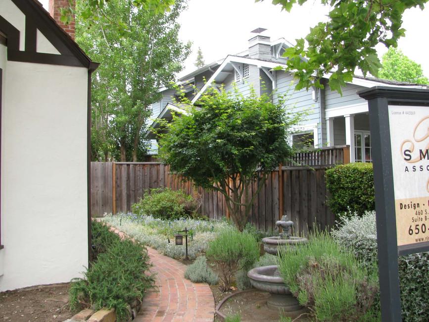 Traditional - Stratford - Backyard - 9 -