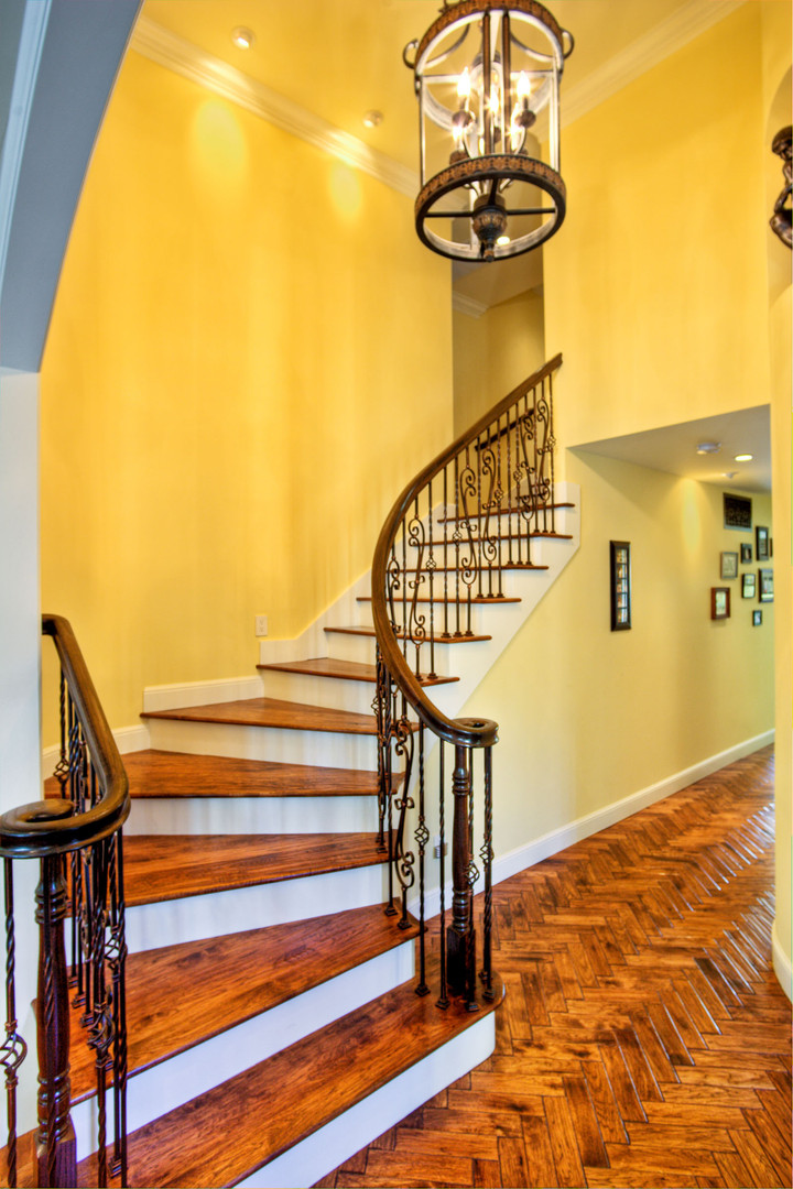 Traditional - Stratford - Staircase - 1