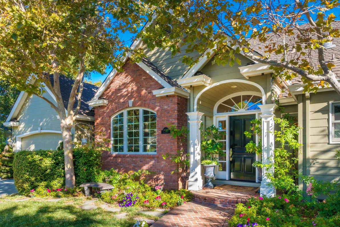 Traditional - Lilac - Front Exterior - 5