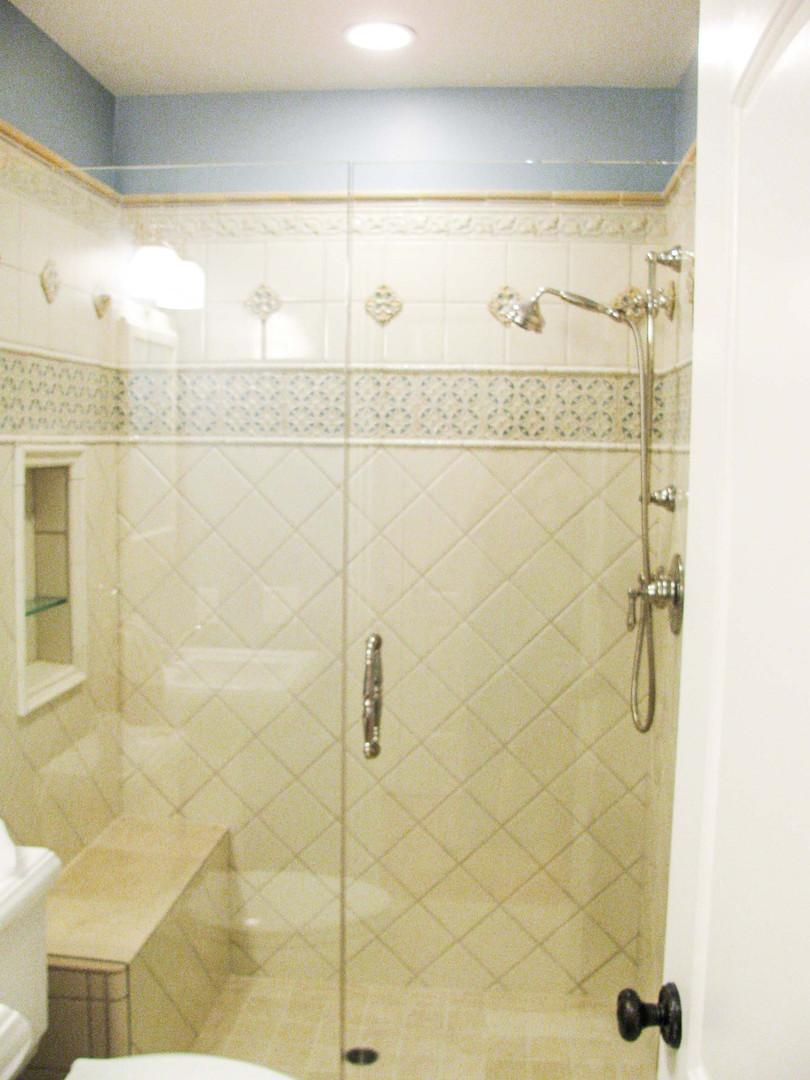 Traditional - Bryant II - Bath - 6 - Aft