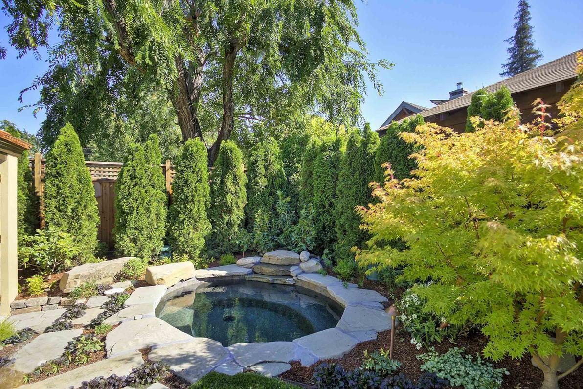 Traditional - Stratford - Backyard - 5 -