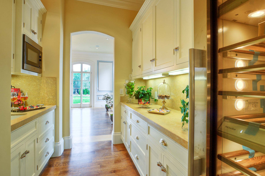 Traditional - Betty - Butler Pantry - 2