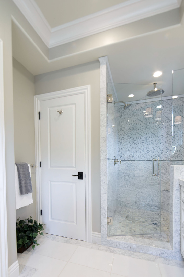 Transitional - Pine - Master Bath - 4 -