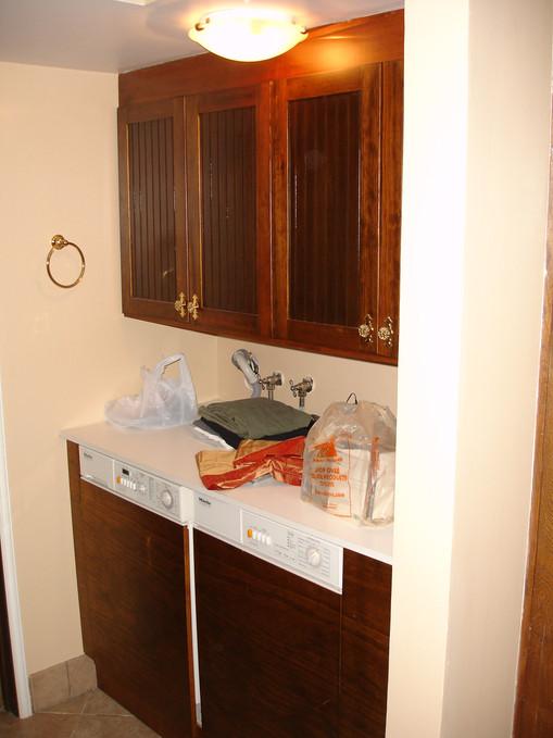 Traditional - Stratford - Laundry - 1 -