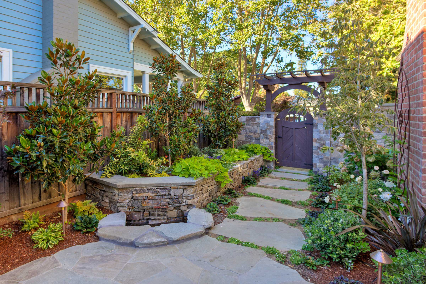 Traditional - Stratford - Backyard - 7 -