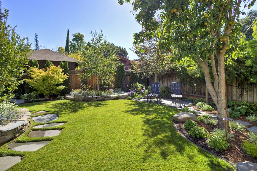 Traditional - Stratford - Backyard - 3 -