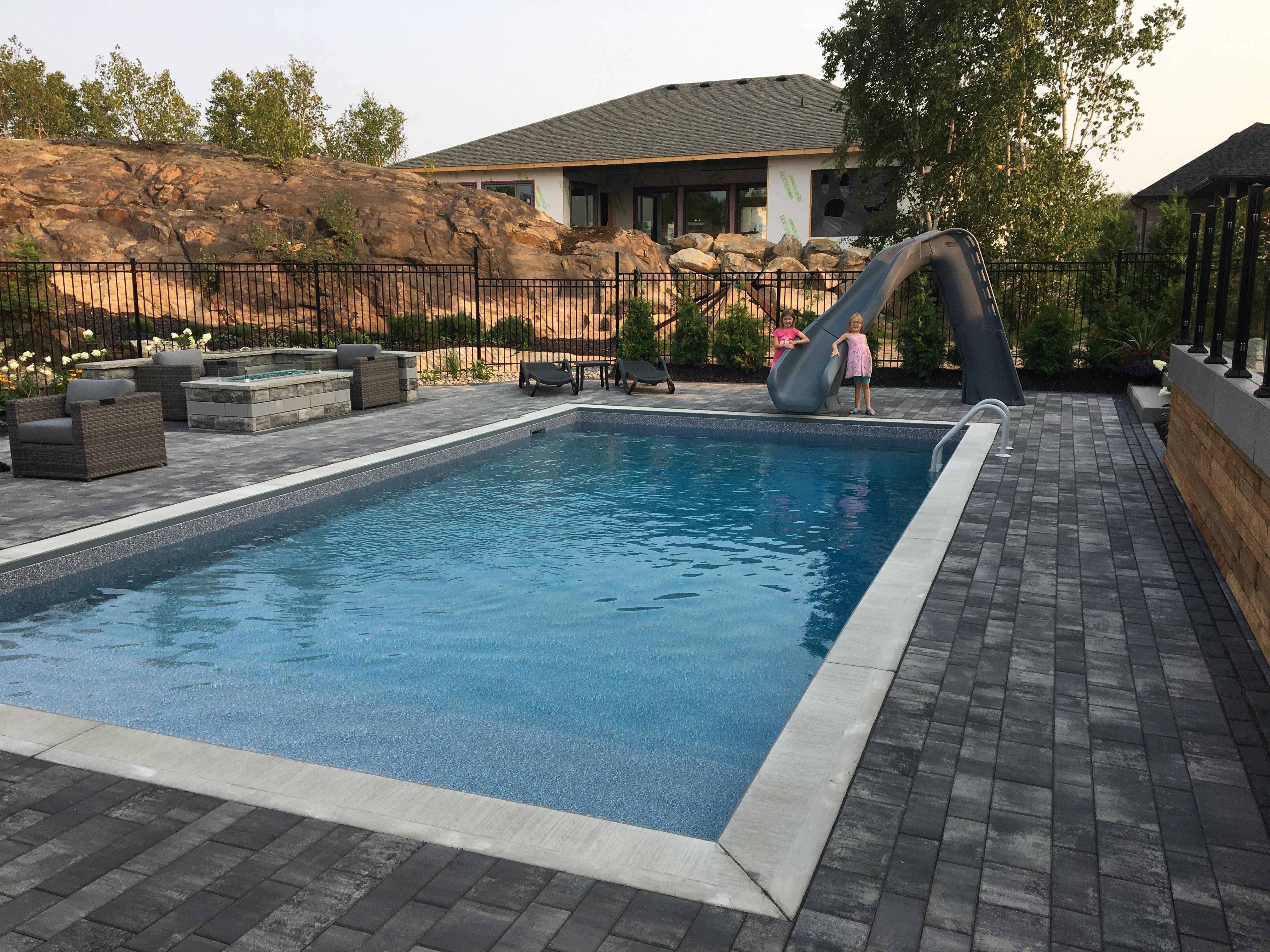 Pool & pool house3