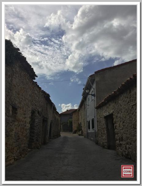 Imágenes de CODES, de sus estrechas calles, sus casas de piedra y de sus rincones especiales donde perderse... Algo tiene nuestro pueblo que nos enamora y nos gusta