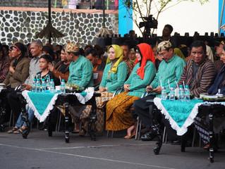 Cak Toriq dan Bunda Indah membuka event Loemadjang Djadoel #4