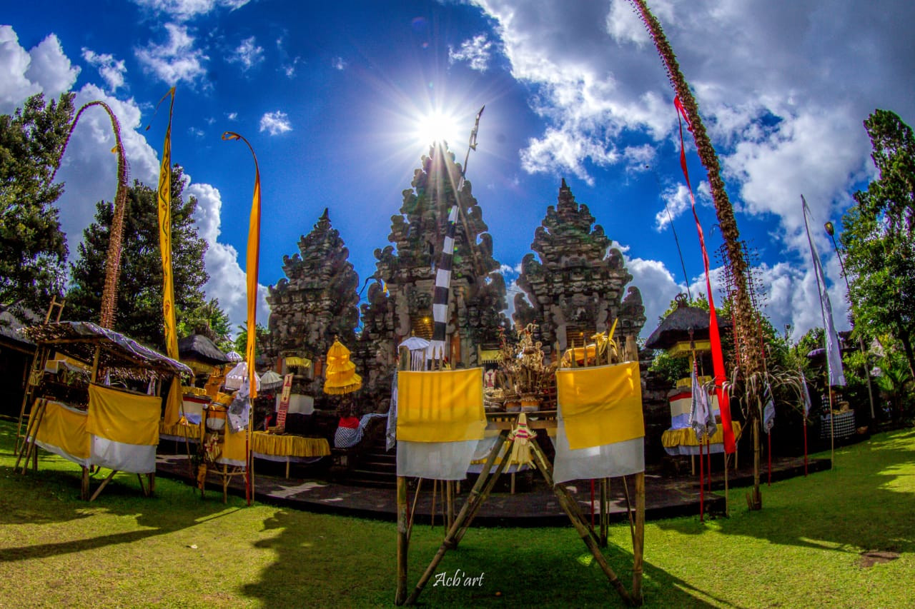 Mandara Giri Semeru Agung Temple