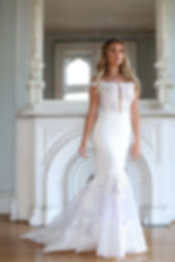 Fit-n-flare lace wedding dress