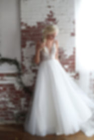 Romantic lace wedding dress Best seller, popular wedding dress