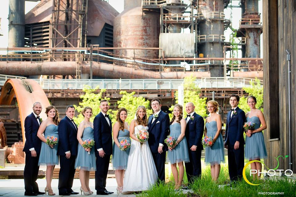 Real Bride Nicole & Wedding Party