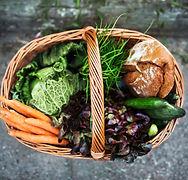 Verse groenten in de mand