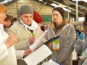 Молодым специалистам организовали практику на сельхозпредприятиях