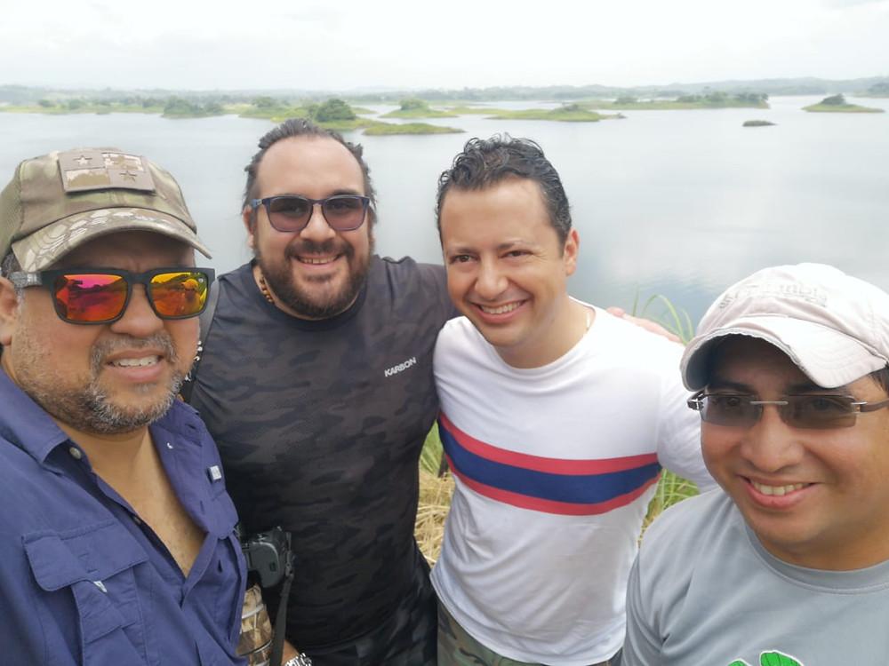 En una parada técnica a orillas del Bayano.
