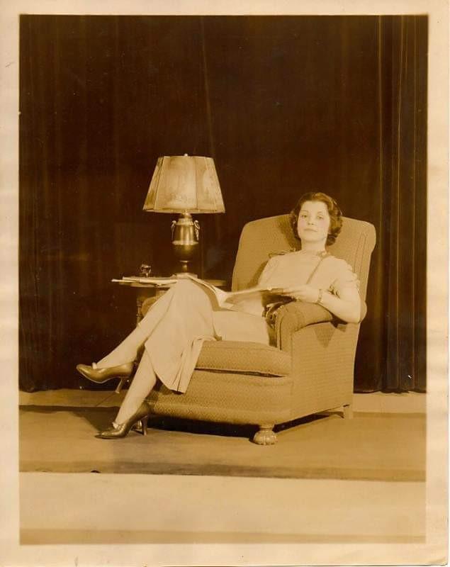 Young Violettta Dupont.jpg