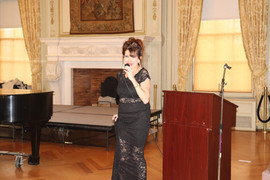 PIanist & Artistic Director Mary Pinto