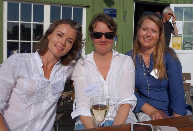 Sammen med forfatterkollegaene Kristine Storli Henningsen og Stine Langtangen.