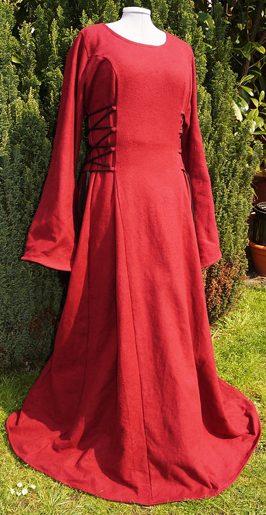 Magierkleid aus Leinen in rot