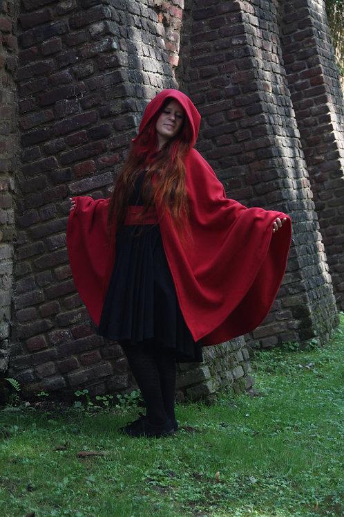 Halbkreis Umhang aus roter Wolle