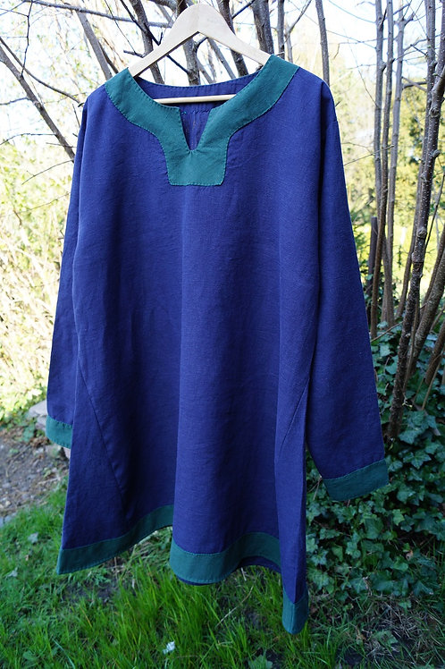Tunika Leinen dunkelblau mit Besatz in dunkelgrün