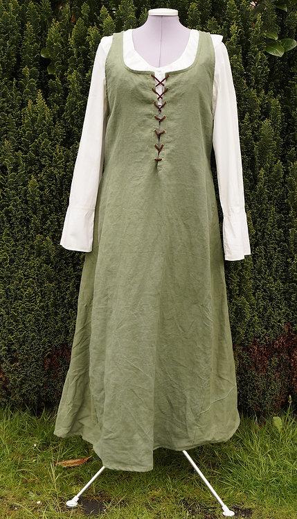 Hobbitkleid aus Leinen in oliv