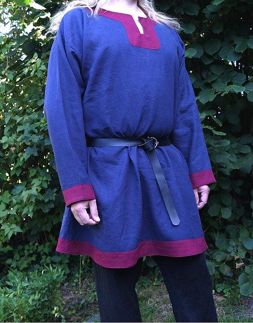 Tunika Leinen dunkelblau mit Besatz in bordeaux