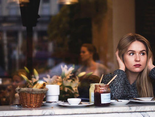 Not an Extrovert? Here's How to Eat Out?